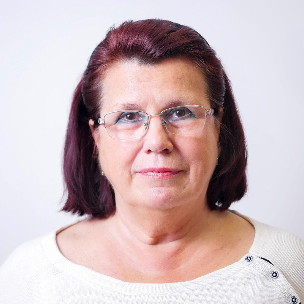 PhDr. Marie Cveková